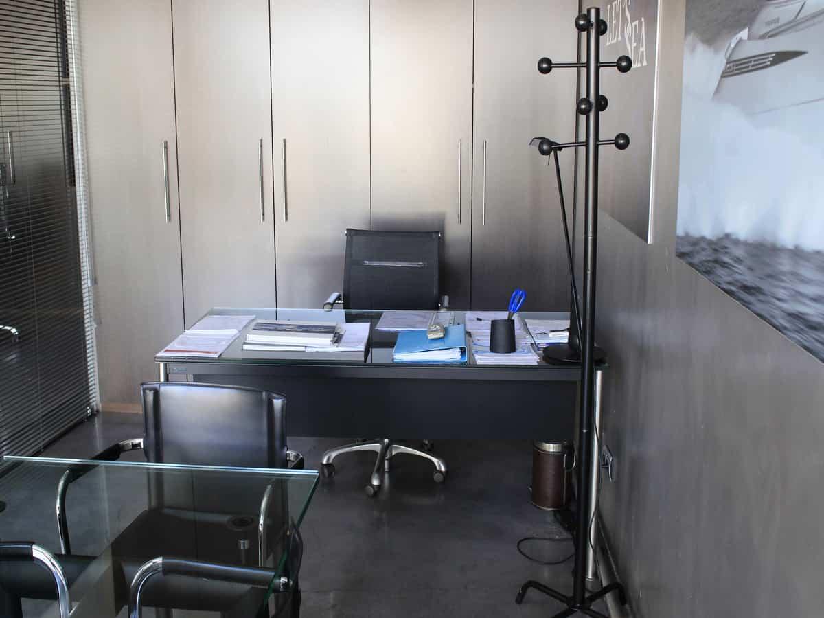 office- 002